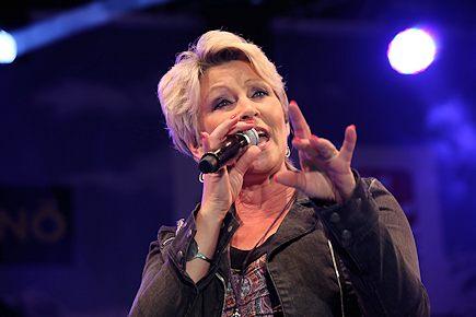 Claudia JUNG - Donauinselfest 2014